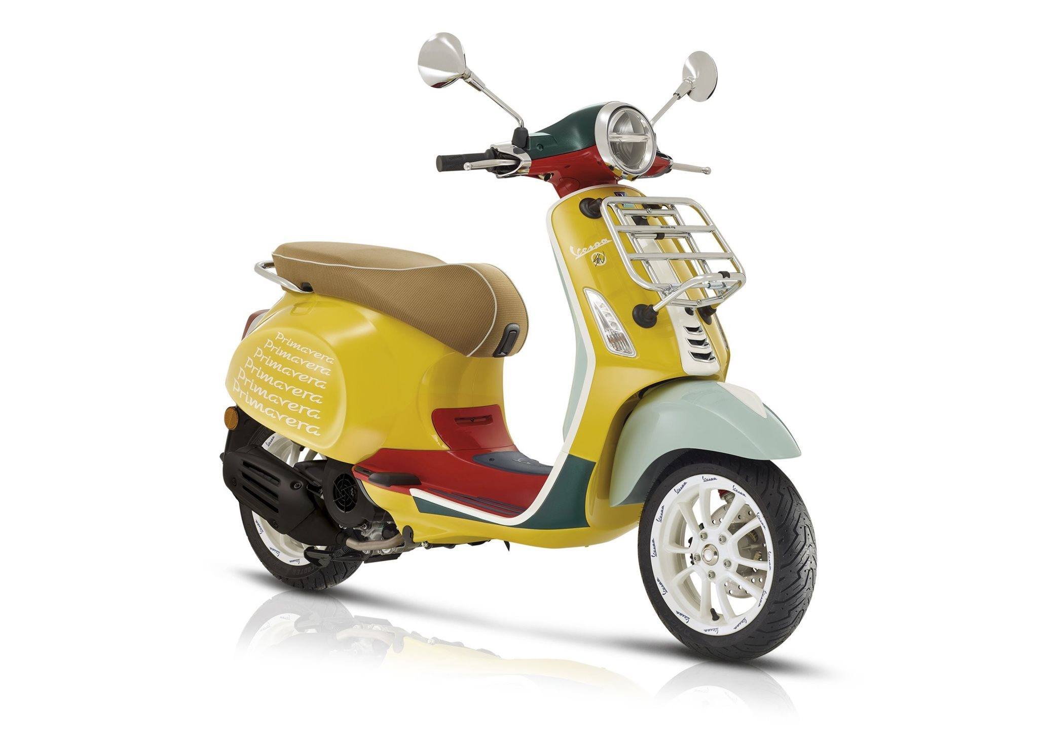 Vespa_Primavera_Sean_Waterspoon